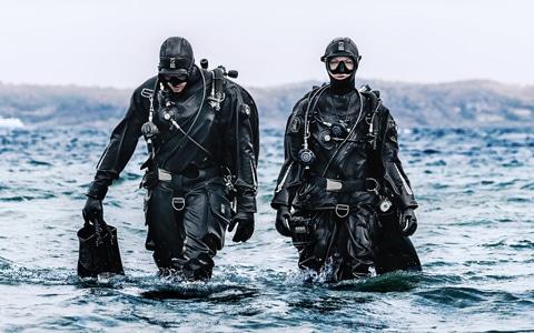 Scubadomain Drysuit Diver