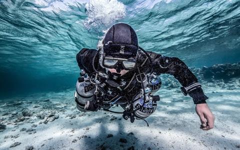Scubadomain Sidemount Diver